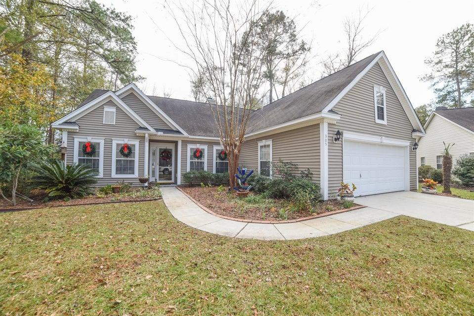 305  Oleander Way Summerville, SC 29485