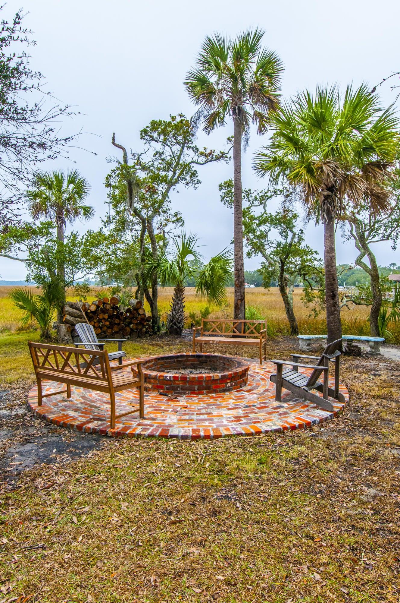 753  Palmetto Pointe Road Edisto Island, SC 29438