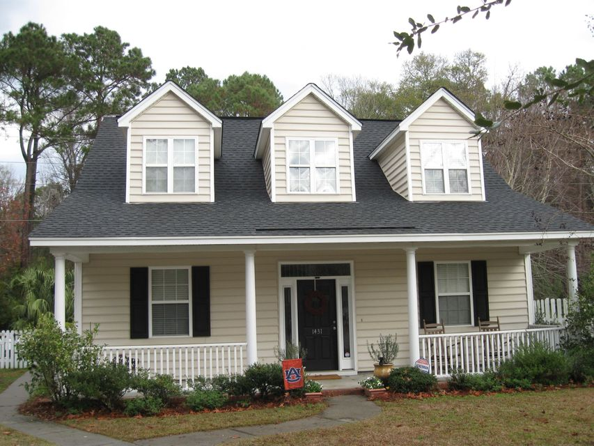 1431  Whispering Oaks Trail Mount Pleasant, SC 29466