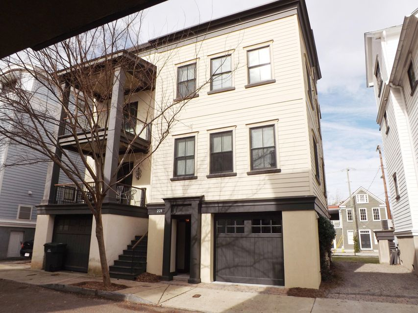 22  Corinne Street Charleston, SC 29403