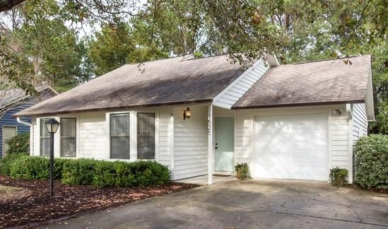 1525 E Crossing Lane Mount Pleasant, SC 29466