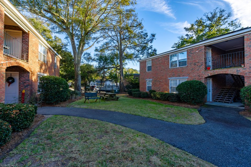 Village Oaks of Mt Pleasant Homes For Sale - 1240 Fairmont, Mount Pleasant, SC - 9