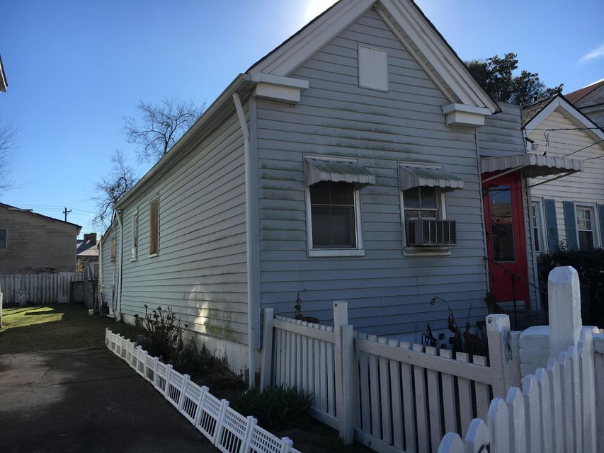 49  Poinsett Street Charleston, SC 29403