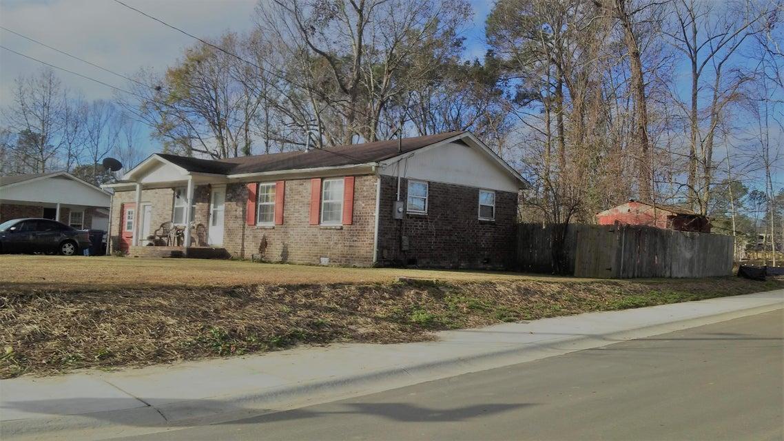 757  Hoss Street Charleston, SC 29414