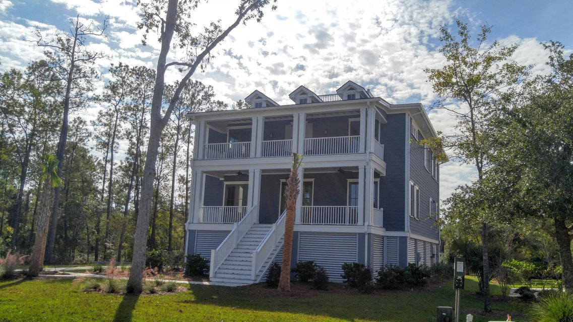 2721  Oak Manor Drive Mount Pleasant, SC 29466