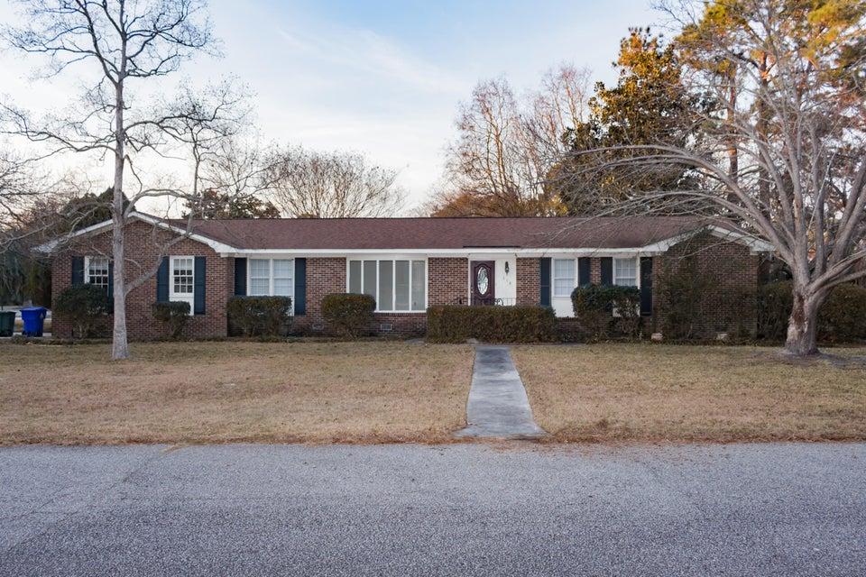 318  Betsy Road Charleston, SC 29407