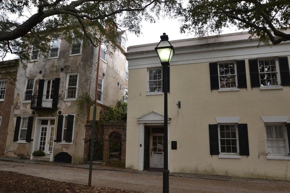 10  Gillon Street Charleston, SC 29401