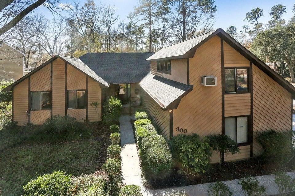 300  Savannah Round Summerville, SC 29485