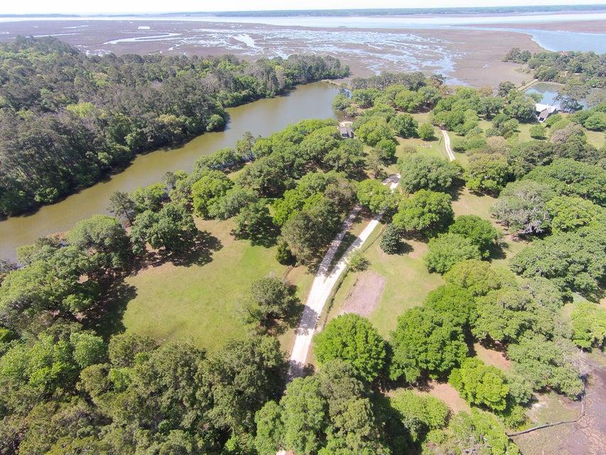 12  Oak Grove Plantation Road Wadmalaw Island, SC 29487
