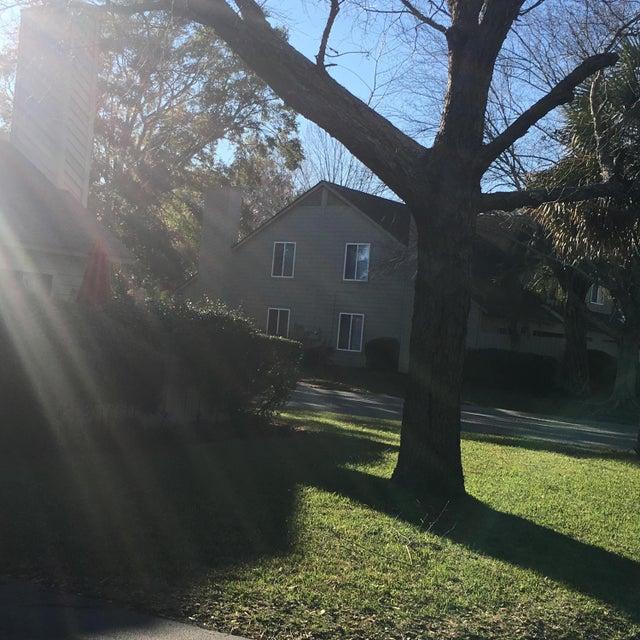 30  Maplecrest Drive Charleston, SC 29412