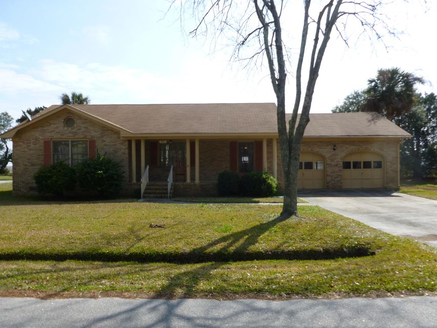 561  Seaward Drive Charleston, SC 29412