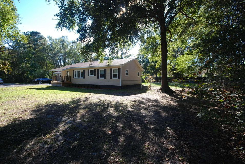 1609  Royle Road Summerville, SC 29486
