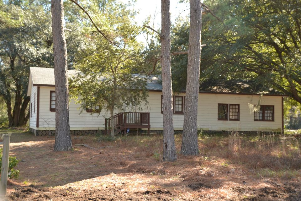 5647  Heyward Smalls Road Hollywood, SC 29449