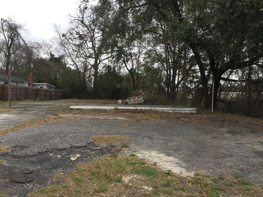 4122  Meeting Street Road North Charleston, SC 29405