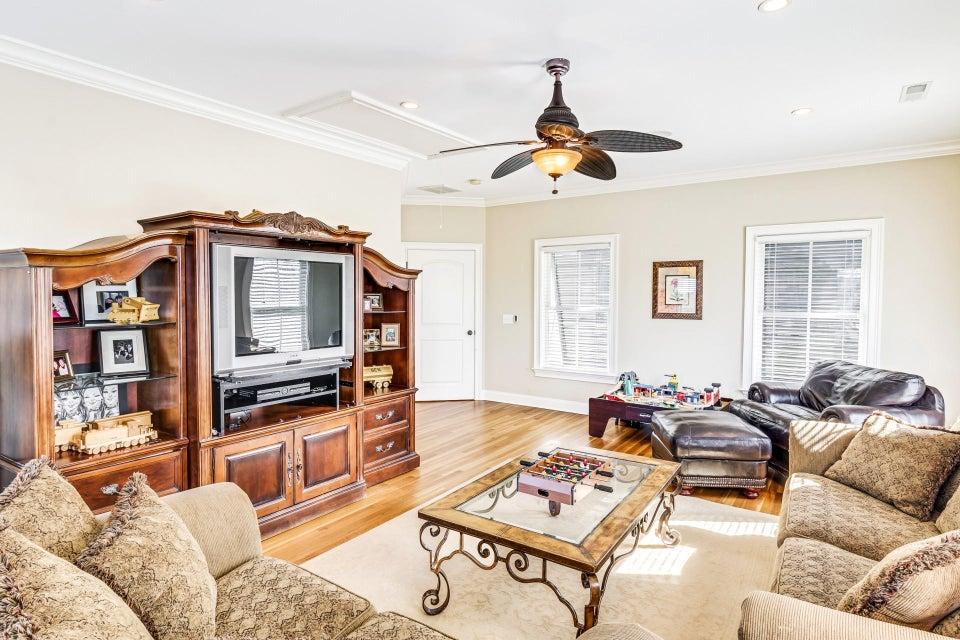 2753  Oak Manor Drive Mount Pleasant, SC 29466