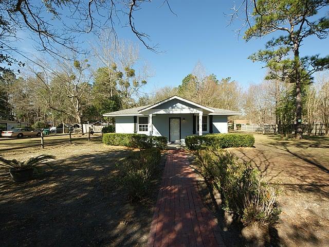 210  Pinewood Drive Summerville, SC 29483