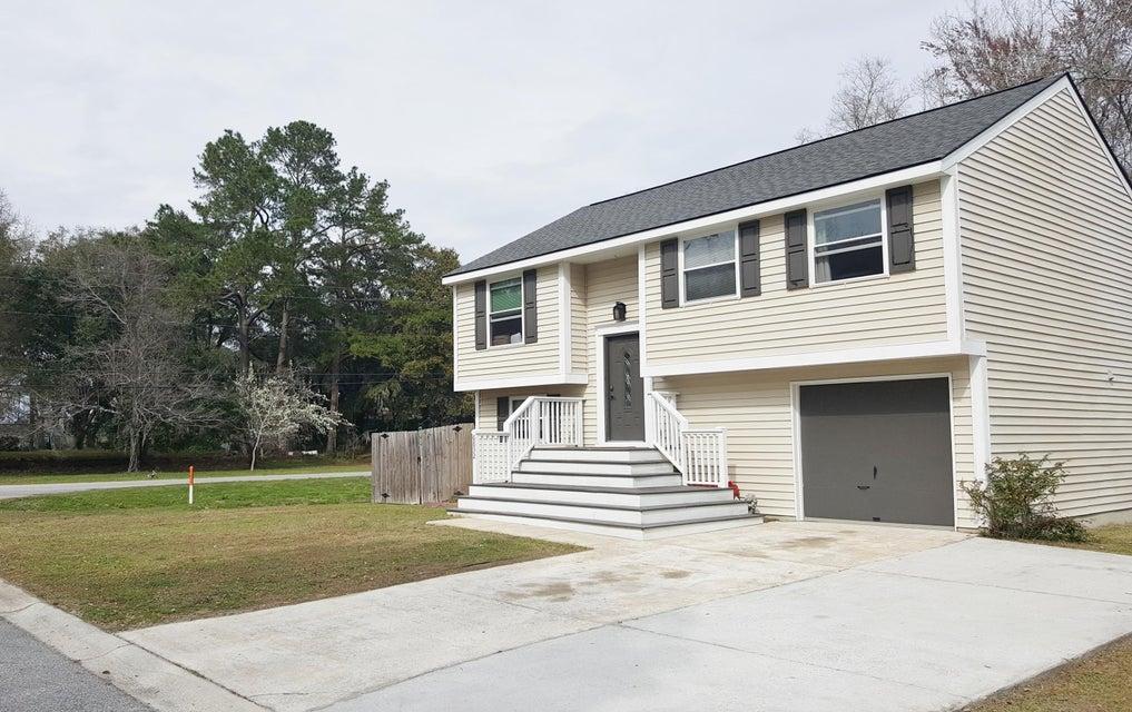 6832  Amberlake Drive North Charleston, SC 29418