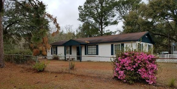 5738  Scott White Road Hollywood, SC 29449