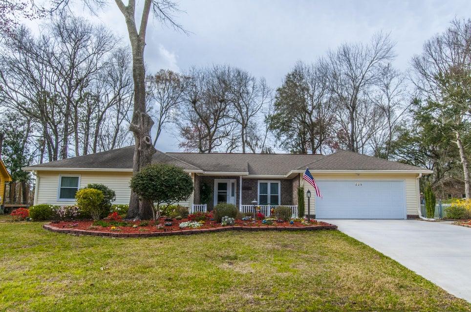225  Savannah Round Summerville, SC 29485