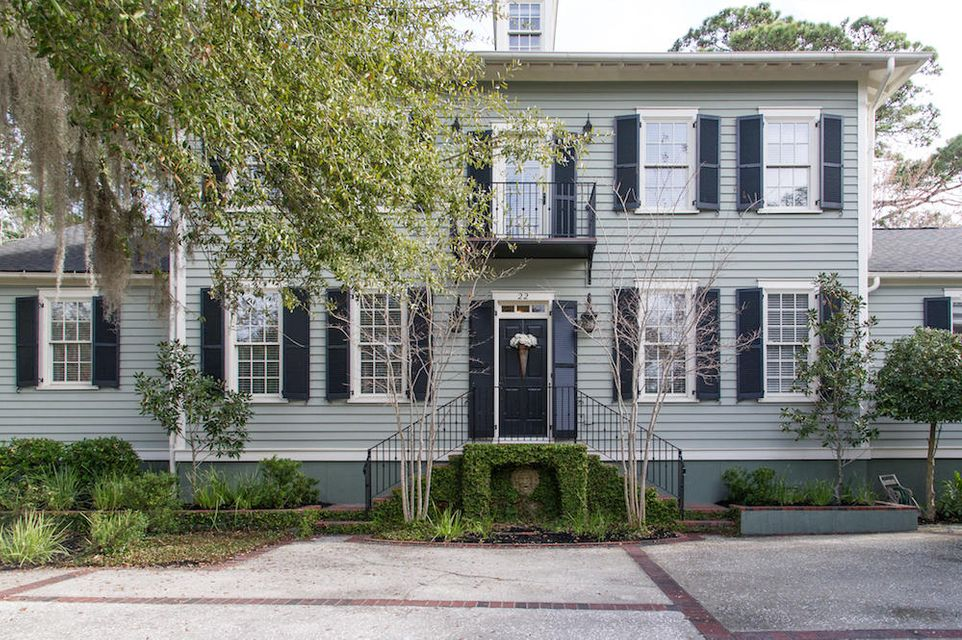 22  Isle Of Hope Mount Pleasant, SC 29464