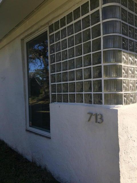 713  Woodward Road Charleston, SC 29407