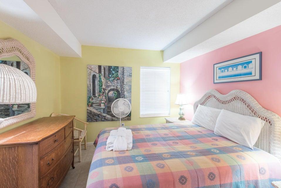 Charleston Oceanfront Villas Homes For Sale - 201 Arctic, Folly Beach, SC - 33