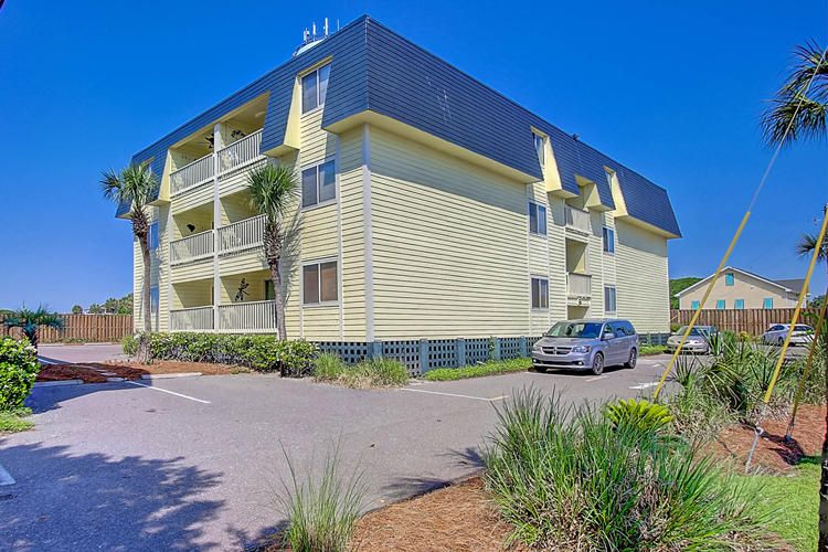 1400  Ocean Blvd Isle Of Palms, SC 29451