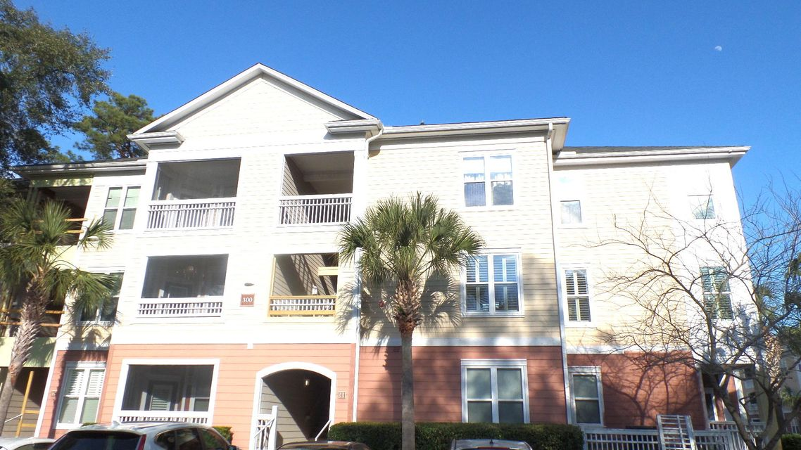 300  Bucksley Lane Charleston, SC 29492