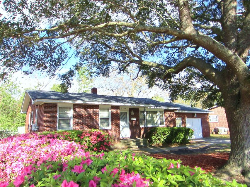 2704  Kershaw Street North Charleston, SC 29405