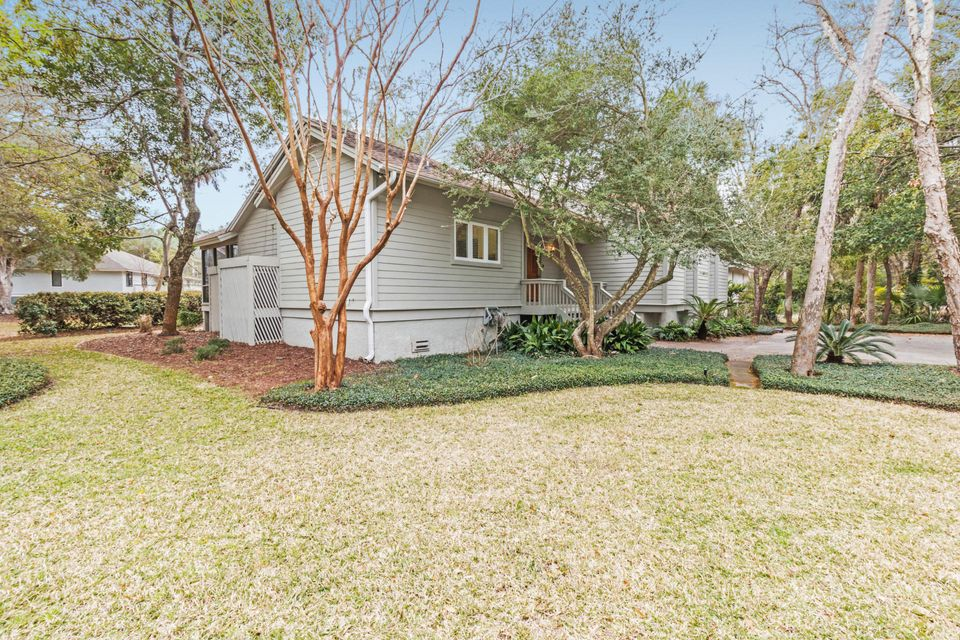 38  Fairway Oaks Lane Isle Of Palms, SC 29451