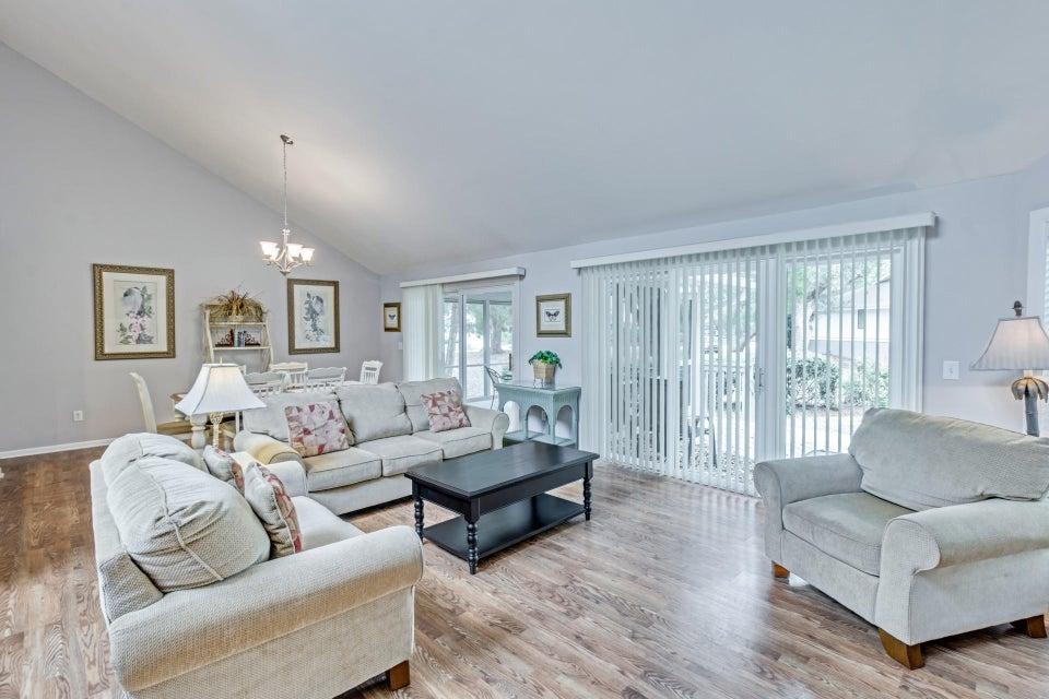 38  Fairway Oaks Lane Isle Of Palms, SC 29451