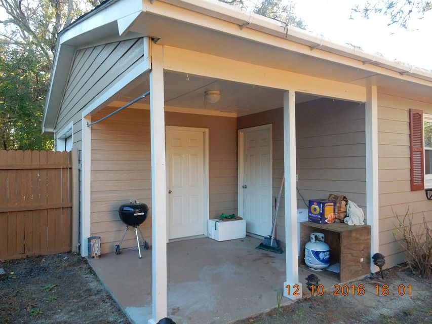 581  Riser Drive Charleston, SC 29412