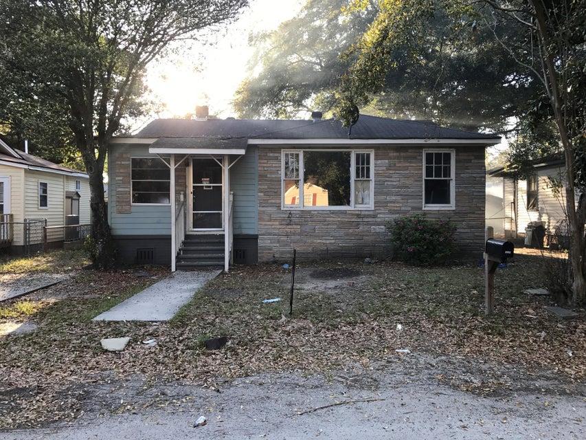 2722 E Surrey Drive North Charleston, SC 29405