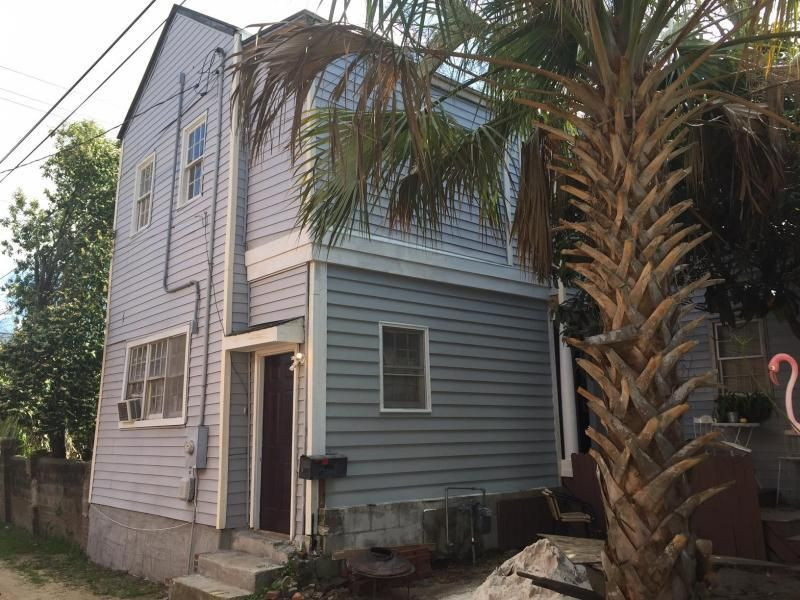1  Drews Alley Charleston, SC 29403