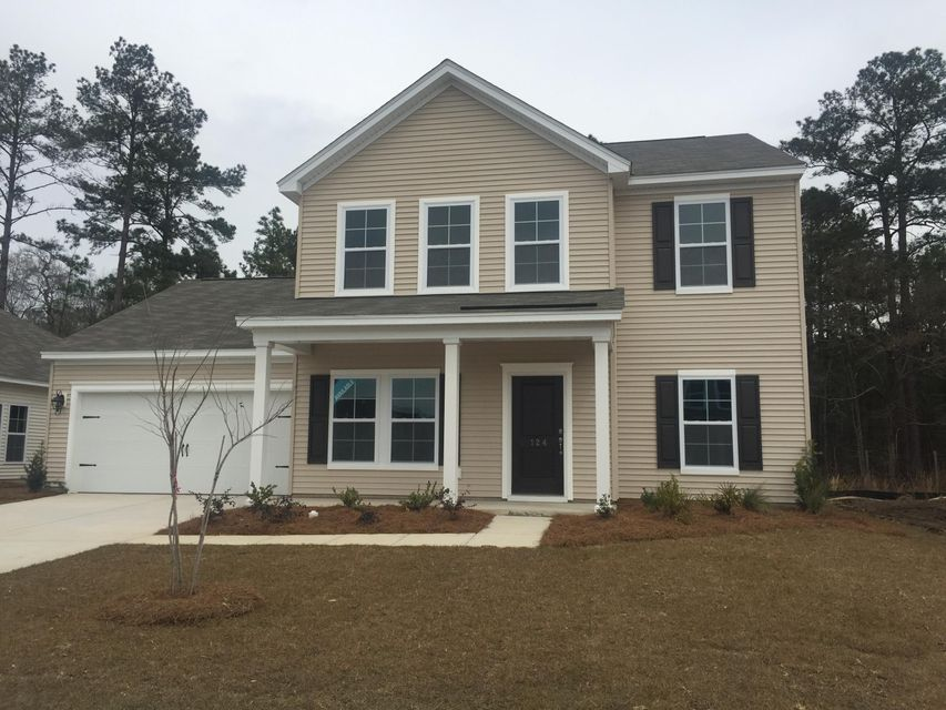 124  Firethorn Goose Creek, SC 29445