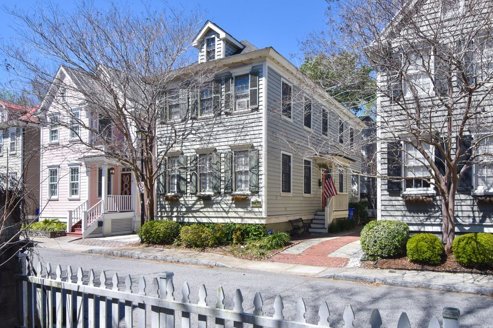 19  Radcliffe Place Charleston, SC 29403