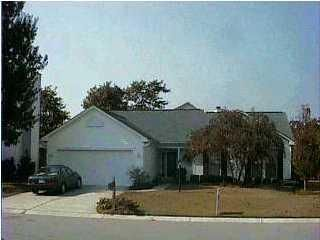 2012  Country Manor Drive Mount Pleasant, SC 29466