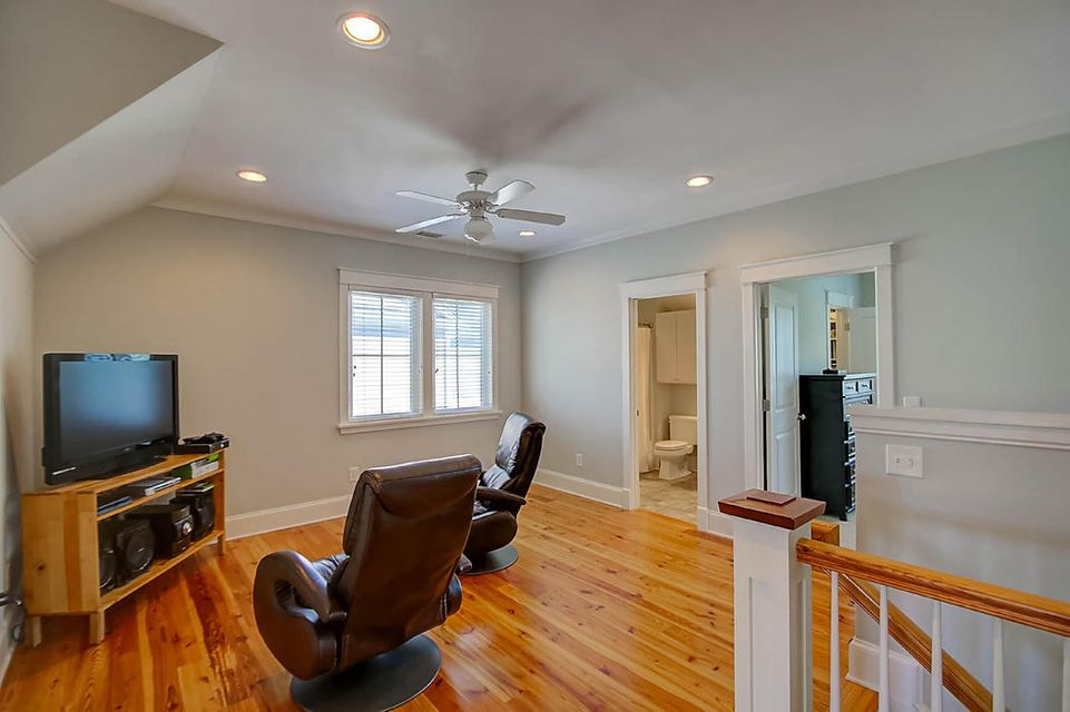 521  Country Place Road Mount Pleasant, SC 29464
