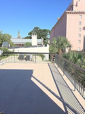 86  Queen Street Charleston, SC 29401