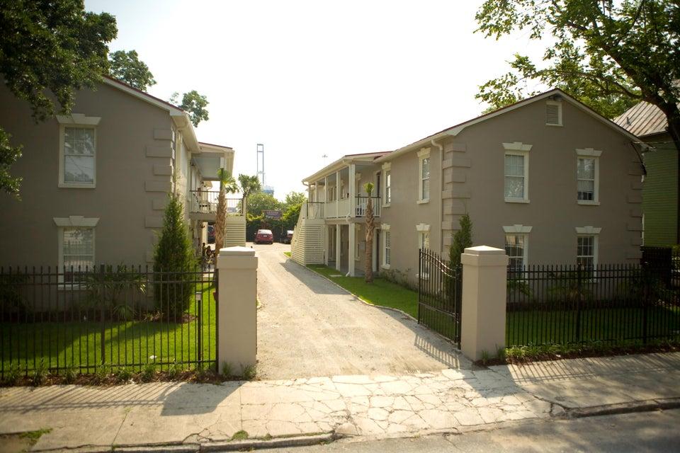 78  Drake Street Charleston, SC 29403