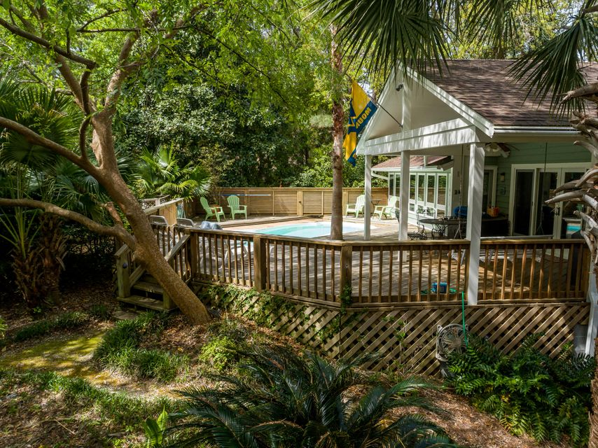 29  Edgewater Alley Isle Of Palms, SC 29451