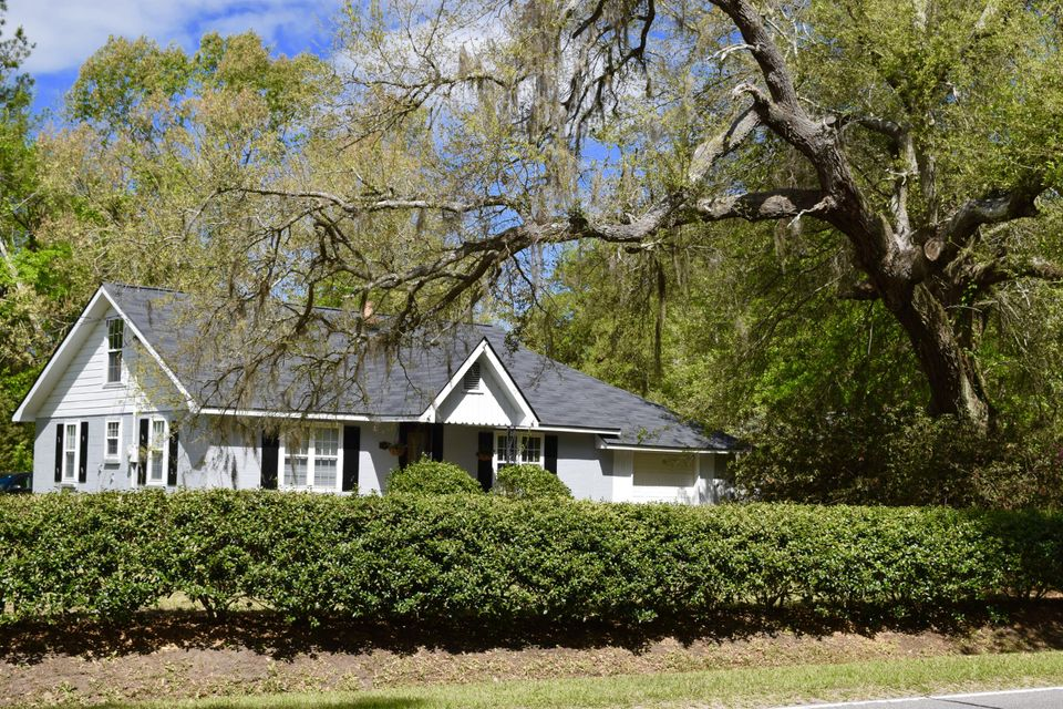 5075  Highway 174 Hollywood, SC 29449