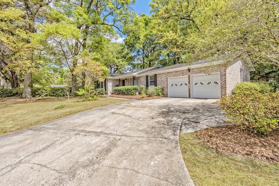 1090  Woodside Drive Charleston, SC 29412