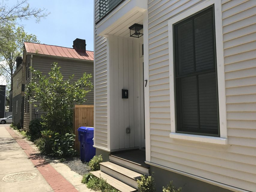 7  Porters Court Charleston, SC 29403