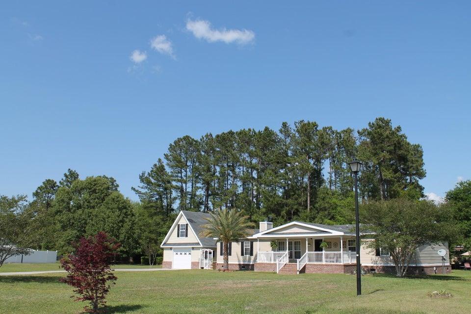 447  Pooshee Plantation Way Bonneau, SC 29431