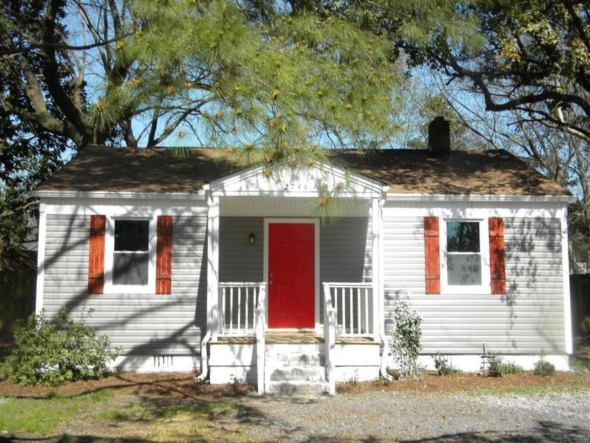 2744  Saratoga North Charleston, SC 29405