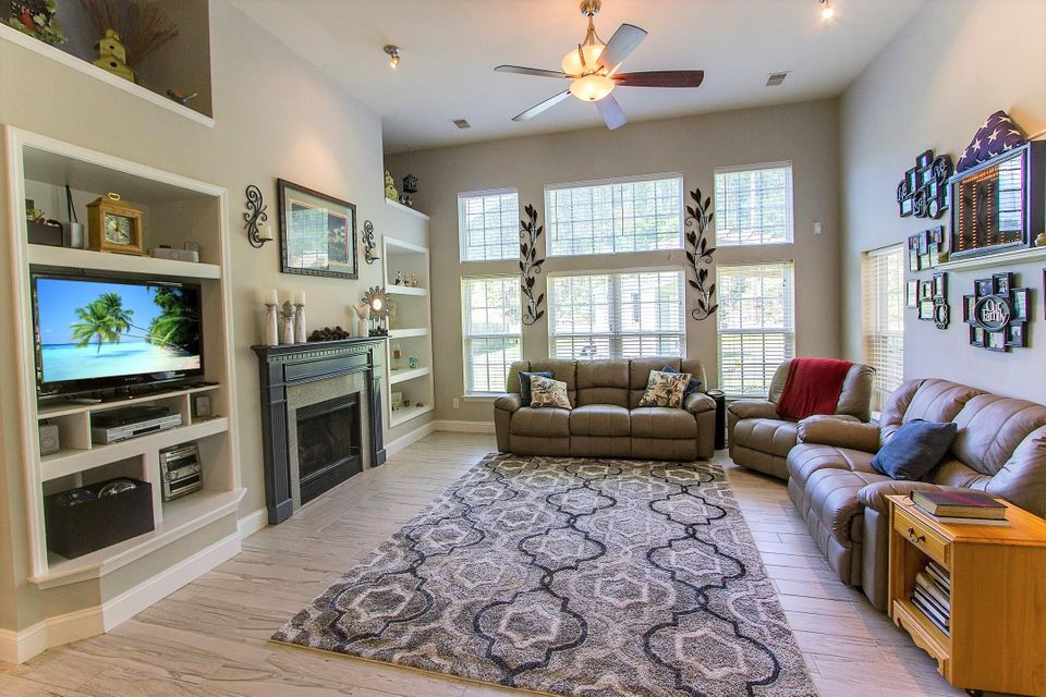 305  Steele Magnolia Avenue Charleston, SC 29414