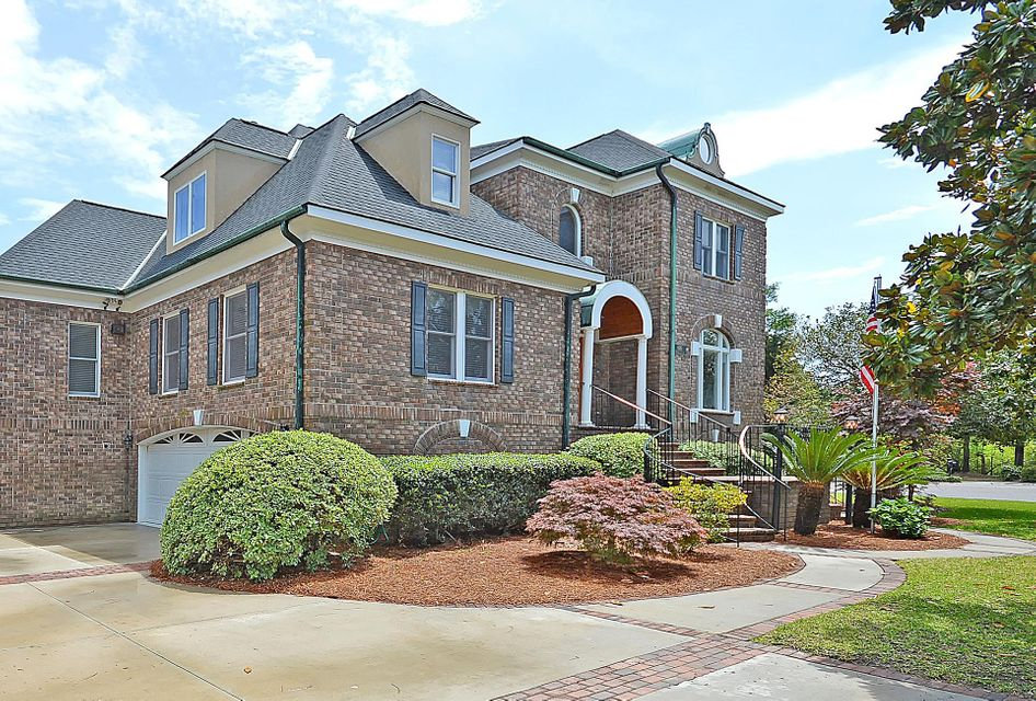 696  Hobcaw Bluff Drive Mount Pleasant, SC 29464