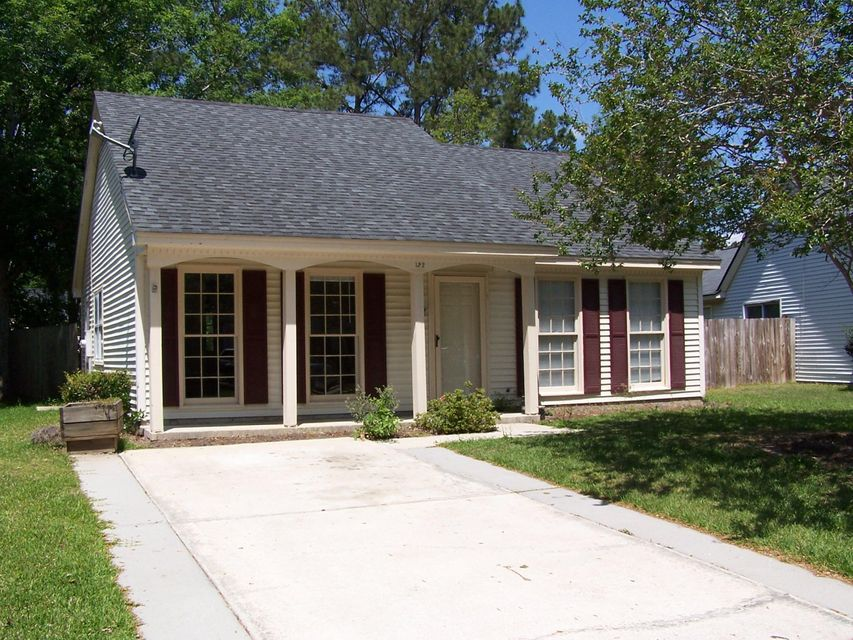 122  Alston Circle Goose Creek, SC 29445