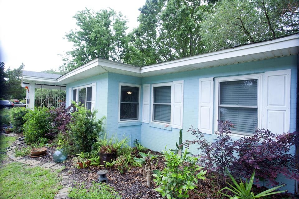 1453  Pocahontas Street Mount Pleasant, SC 29464